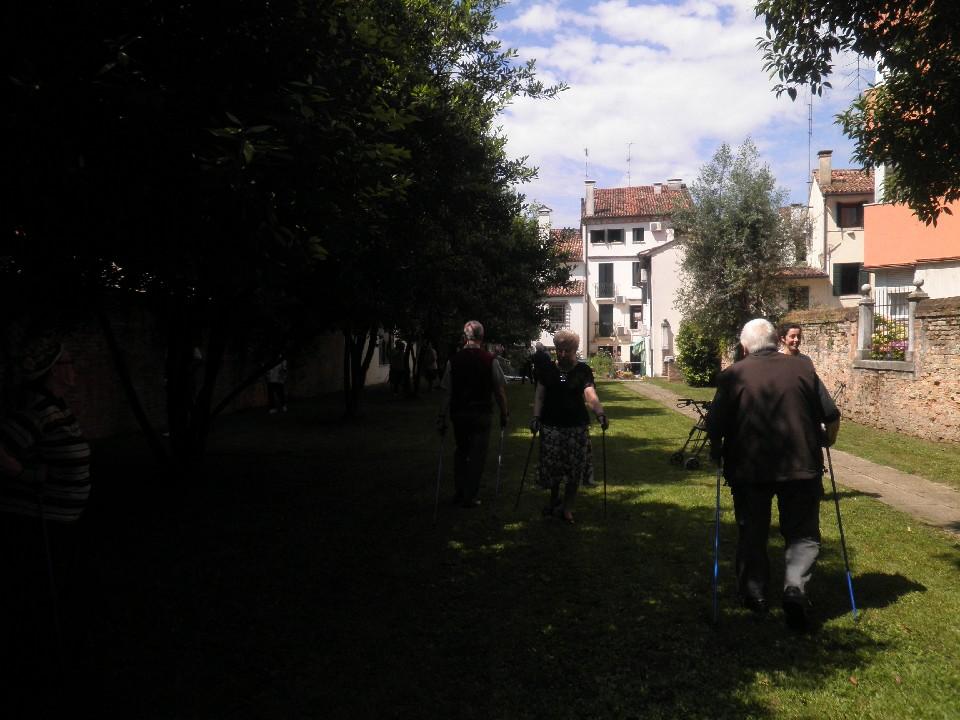 nordic walking anziani